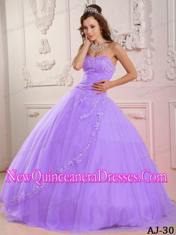 3c7fc19e782 A Classical Sweetheart With Tulle Appliques Lavender Simple ...