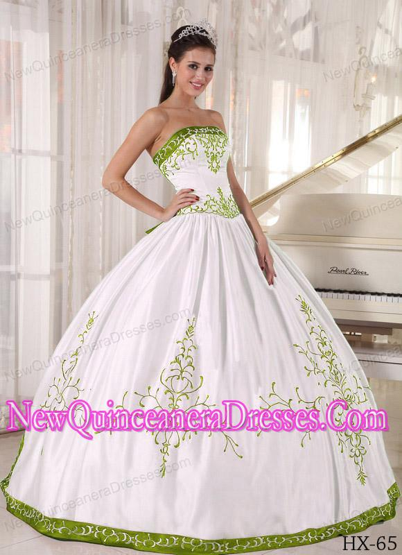 A Colourful Strapless Embroidery Simple Quinceanera Dresses