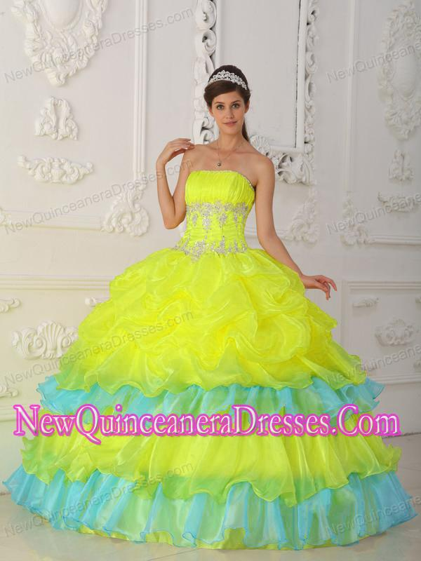 Pretty Ball Gown Strapless Organza Beading and Ruffles Sweet 15 ...