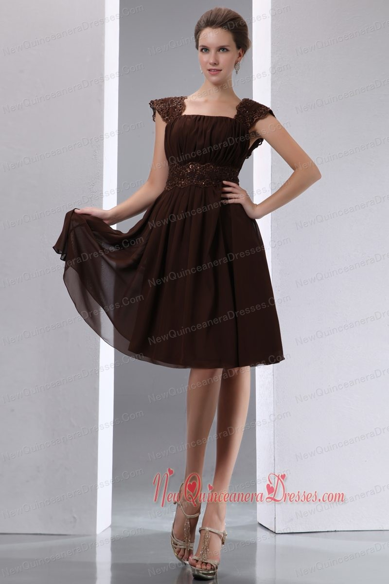 Brown Empire Square Knee-length Chiffon Beading Dama Dresses for Quinceanera