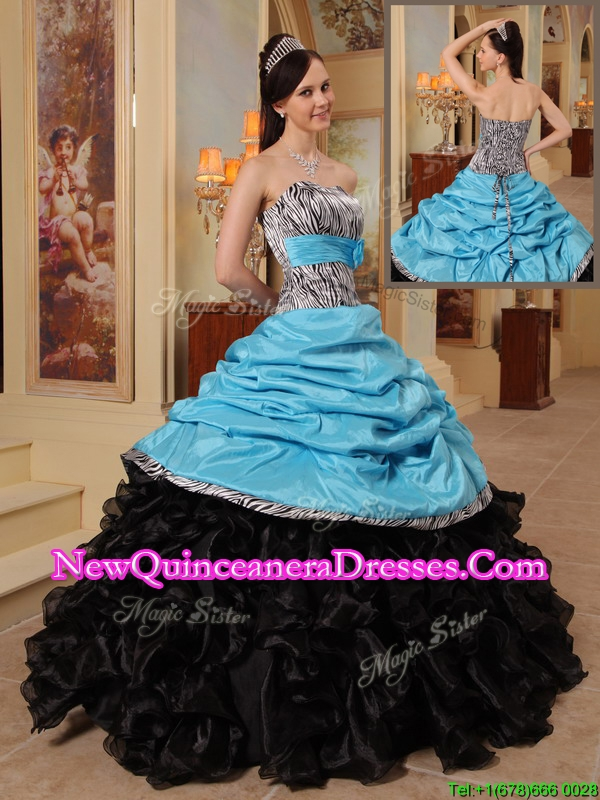 2016 New Arrivals Strapless Quinceanera Gowns with Ruffles and Pick Ups