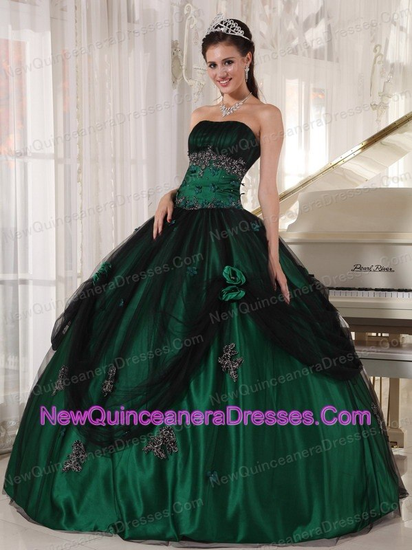 a818772c92a Pretty Green Quinceanera Dress Strapless Tulle and Taffeta Beading Ball Gown