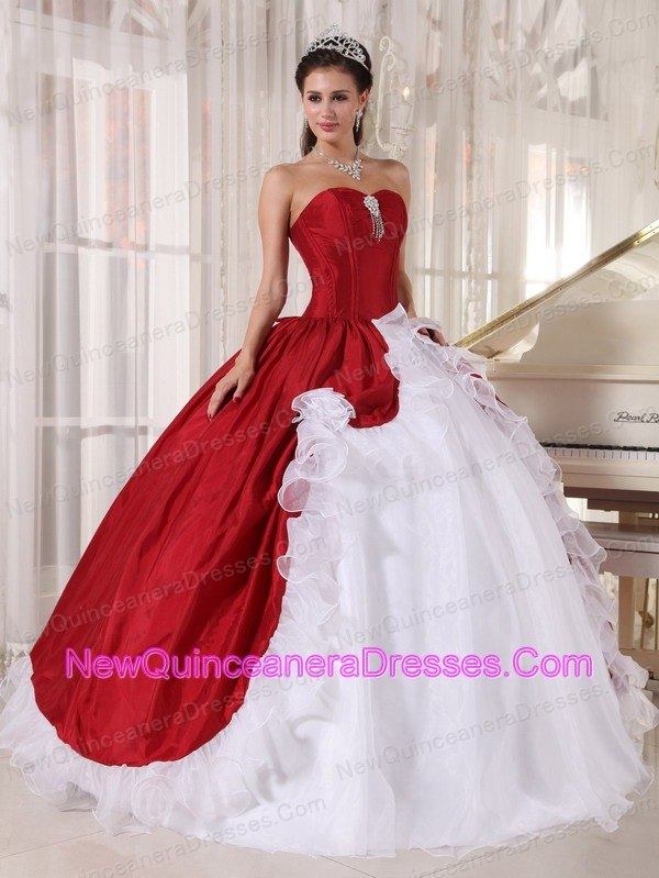 84cbd99dcbd Wonderful Wine Red and White Quinceanera Dress Sweetheart Organza and Taffeta  Beading Ball Gown. triumph