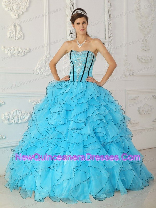 Beautiful Baby Blue Quinceanera Dress Strapless Organza Appliques Ball Gown