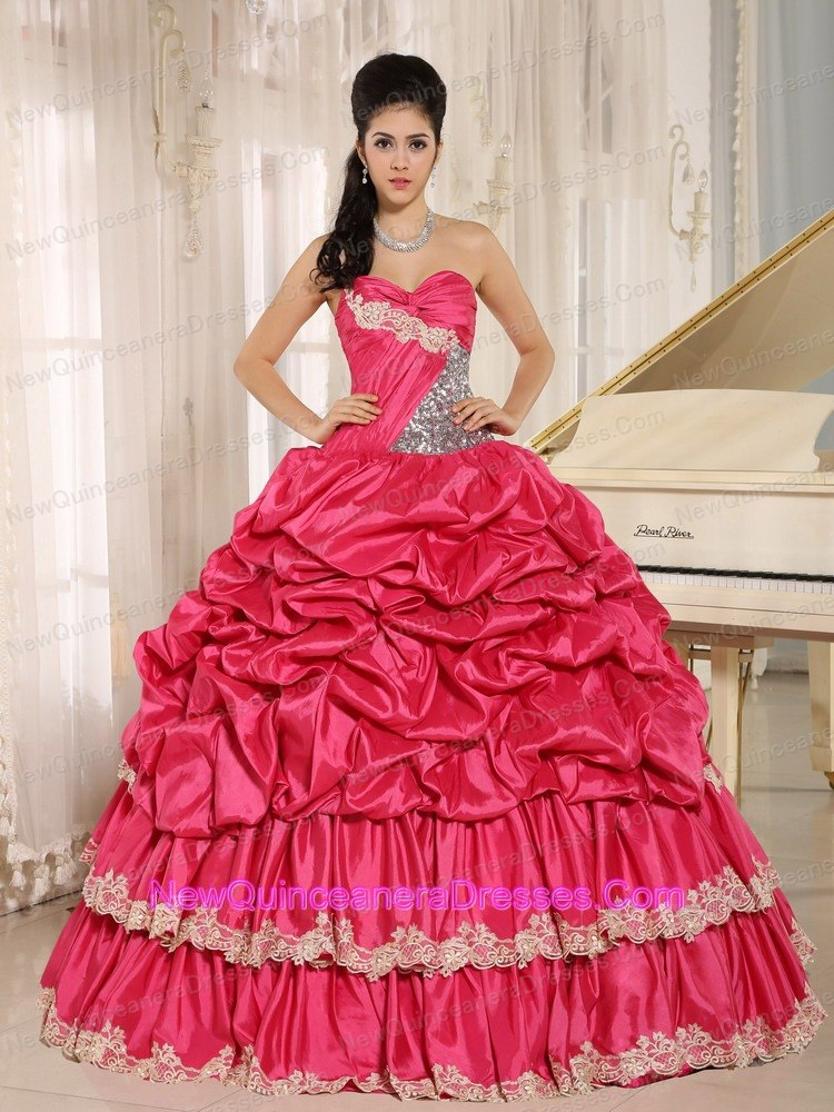 pin up style quinceanera gown | new quinceanera dresses