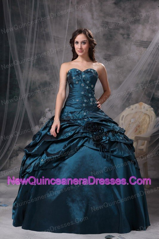 Modest Peacock Green Ball Gown Sweetheart Quinceanea Dress Taffeta Appliques Floor-length