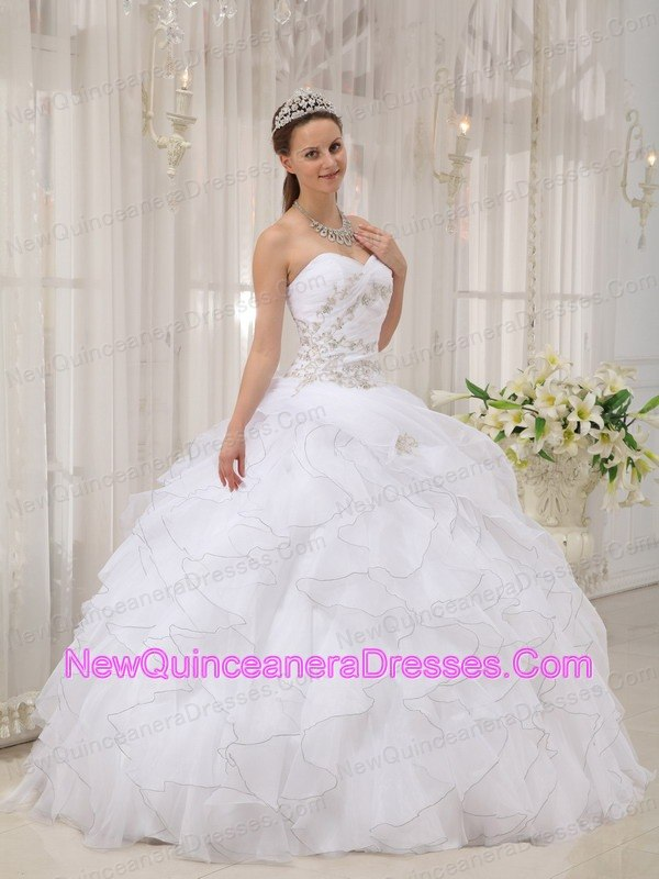 Most Popular Quinceanera Gowns & Famous Sweet 16 Dresses for 2013