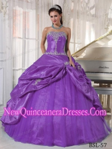Ball Gown Strapless Floor-length Taffeta and Tulle Appliques 2013 Quinceanera Dress in Purple