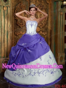 Embroidery Strapless 2013 Quinceanera Dress in Purple and White