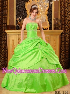 Spring Green Ball Gown Strapless Beautiful Beading Quinceanera Dress