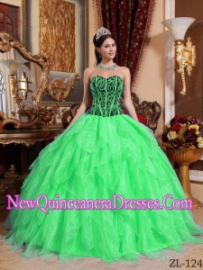 Sweetheart Embroidery with Beading Beautiful Quinceanera Dress in Spring Green and Black