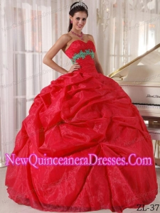 Fashionable Red Ball Gown Sweetheart Floor-length Organza Appliques Quinceanera Dress
