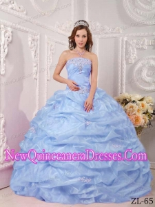 Luxurious Ball Gown Strapless Organza Appliques Lilac Quinceanera Dress