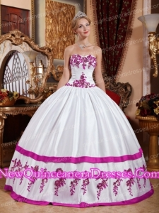 White and Fuchsia Sweetheart Floor-length Taffeta Appliques Quinceanera Dress