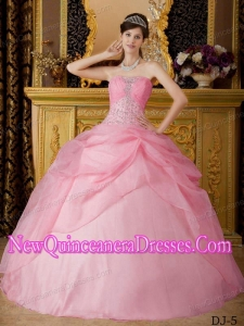 Rose Pink Ball Gown Strapless Floor-length Organza Popular Quinceanera Gowns with Beading