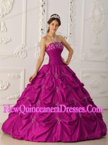 Simple Quinceanera Dresses In Fuchsia With Strapless Taffeta Appliques and Beading