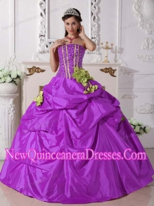 Ball Gown Strapless Floor-length Taffeta Popular Quinceanera Gowns with Beading and Hand Made Flowers