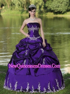 Custom Made Purple Popular Quinceanera Gowns Party Wear With Satin Embroidery Decorate
