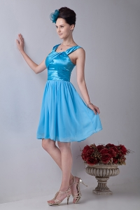 Aqua Blue Empire Straps Knee-length Chiffon Ruch Dama Dresses for Quinceanera