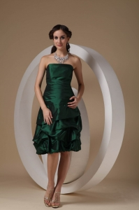 Dark Green Column Strapless Knee-length Taffeta Beading Dama Dress
