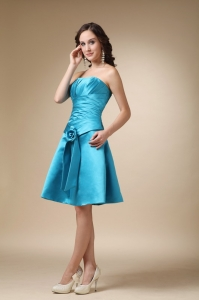 Turquoise A-line Strapless Knee-length Satin Hand Made Flower Quinceanera Dama Dresses