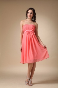 Watermelon Red Empire Strapless Knee-length Chiffon Ruch Dama Dresses for Quinceanera