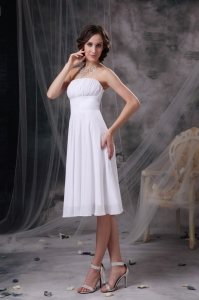 White A-line Strapless Knee-length Chiffon Ruch Dama Dress