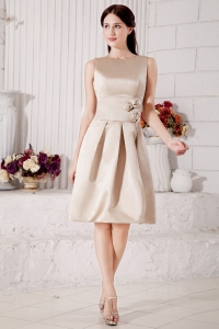 Champagne A-line Bateau Knee-length Satin Hand Made Flowers Dama Dresses for Quinceanera