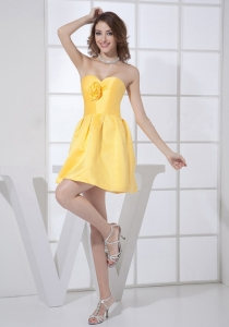 Hand Made Flower Decorate Bodice Sweetheart Neckline Mini-length A-line Yellow 2013 Dama Dress