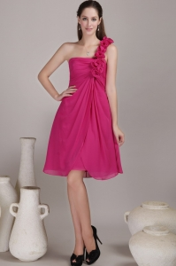Hot Pink Empire One Shoulder Knee-length Chiffon Hand Flowers Quinceanera Dama Dresses