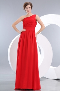 Red Empire One Shoulder Floor-length Chiffon Ruch Dama Dresses for Quinceanera