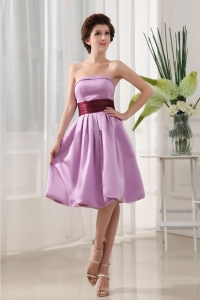 Sashes/Ribbons Simple Lavender Satin Knee-length Strapless A-Line Dama Dress