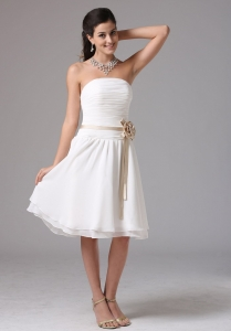 Simple Empire Strapless Dama Dress With Sash Ruched Decorate Bust Knee-length