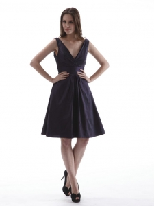 Purple V-neck Dama Dress Knee-length Taffeta