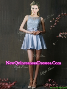 2016 Fashionable Light Blue Short Dama Dress with Lace and Belt