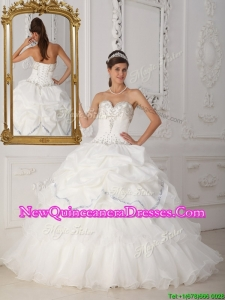Beautiful Exclusive Beading Sweetheart Quinceanera Gowns in White