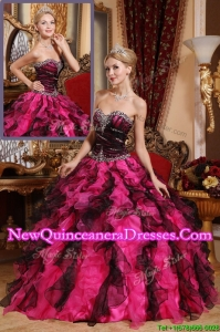 2016 Elegant Classical Beading and Ruffles Quinceanera Gowns in Black and Red