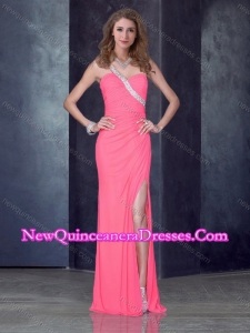 2016 Romantic One Shoulder Pink Dama Dress with High Slit and Beading
