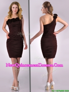 Simple Column One Shoulder Hand Crafted and Ruched Side Zipper Short Dama Dress in Brown