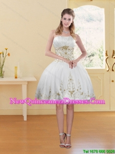 2015 Cheap Fashionable White Strapless Dama Dress with Appliques