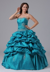2013 Ball Gown Pick-ups Military Ball Gowns With Beading and Ruch in Newington Connecticut
