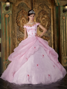 Romantic Pink Quinceanera Dress Off The Shoulder Organza Appliques Ball Gown