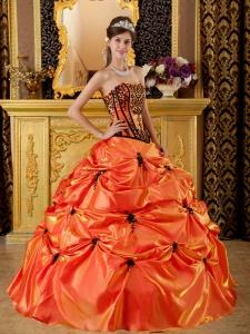 Sweet Quinceanera Dress Strapless Embroidery Taffeta Ball Gown