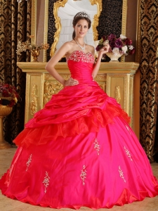 Modest Red Quinceanera Dress Sweetheart Taffeta Beading Ball Gown