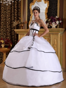 Elegant White Quinceanera Dress Strapless Satin and Organza Appliques Ball Gown