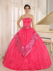 Coral Red Beaded Decorate 2013 Quinceanera Gowns With Strapless In Buenos Aires