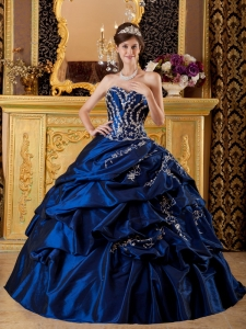 Modest Navy Blue Quinceanera Dress Sweetheart Taffeta Appliques Ball Gown