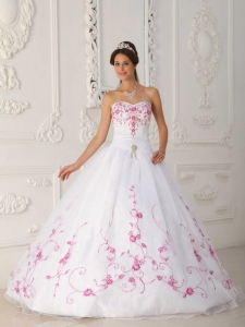 Cute White Quinceanera Dress Strapless Satin and Organza Embroidery Ball Gown