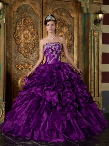 Pretty Eggplant Purple Quinceanera Dres Strapless Organza Ruffles Ball Gown