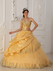 Beautiful Gold Quinceanera Dress Sweetheart Taffeta and Organza Beading A-Line
